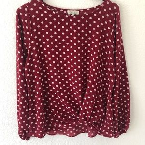 Chennault blouse polka dots .size Medium